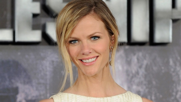 "[NBCAH] Brooklyn Decker: ""What To Expect When You're Expecting"" Isn't Just for Chicks"