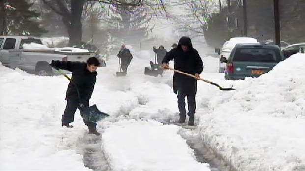 [NY] L.I. Residents Await Snowplows Days After Storm