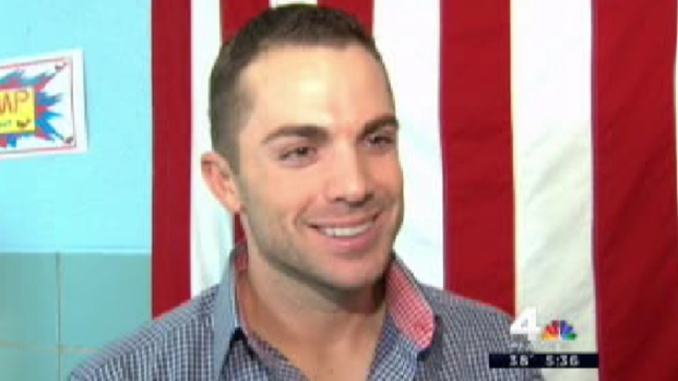 [NY] David Wright Visits PS 38 on Sandy-Devastated Staten Island