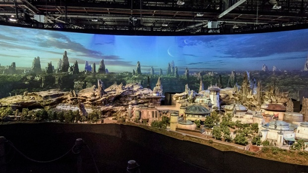 [NATL-LA]Revealed: 'Star Wars' Land Model