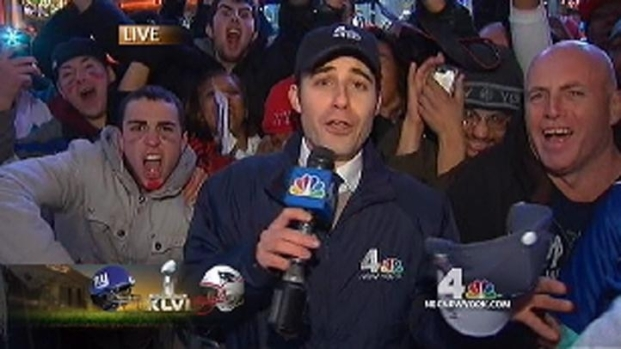 [NY] Giants Fans Go Wild in Times Square
