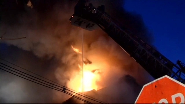 [NY] Firefighters Struggle to Contain Massive NJ Fire
