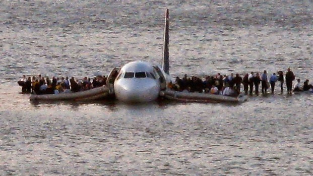 [NY] A Look Inside the 'Miracle on the Hudson' Plane