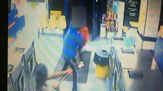 [NY] Laundromat Robbers Assault Man