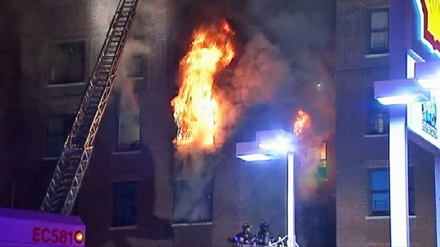 [NY] Fire Burns in Washington Heights Building