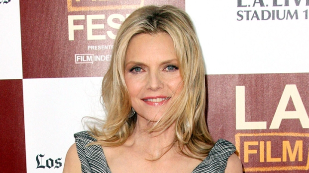 [NBCAH] Michelle Pfeiffer: Difficult to Slap Chris Pine in New Movie