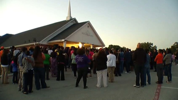[DFW VIDEO] Slain Pastor Remembered at Vigil