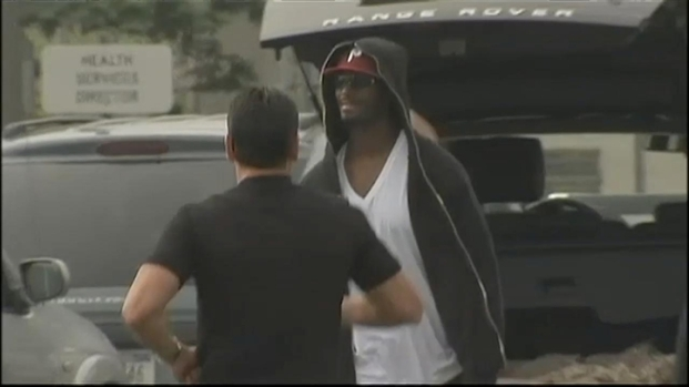 "[NY] VIDEO: Plax Leaves Jail, Says ""I'll Be Ready"" for Football"