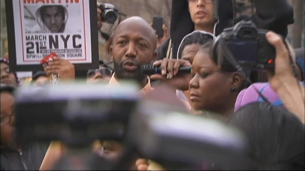 "[NY] Trayvon Martin's Parents Attend NYC Million ""Hoodie"" March"