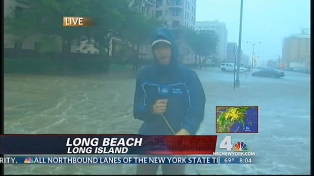 [NY] Irene Hits Long Beach, L.I., Floods Streets