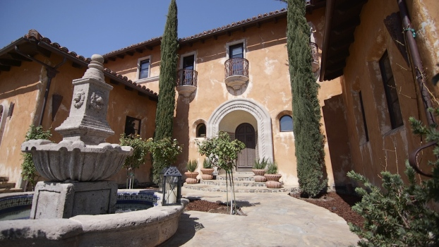 "Inside the Famous Home From ""The Bachelor"""