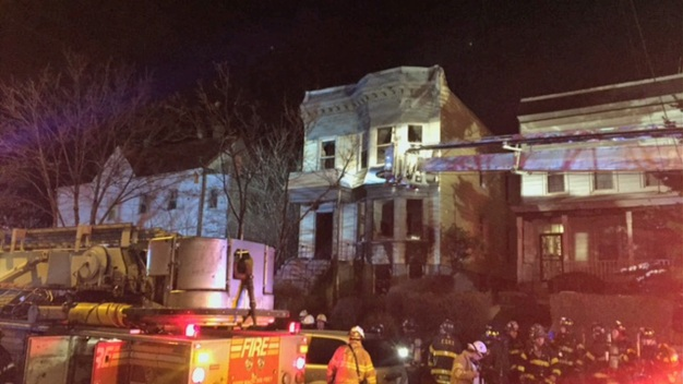 2 Dead, 4 Hurt in Bronx Fires