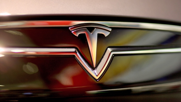 Tesla Equipping Cars to Drive Completely on Their Own