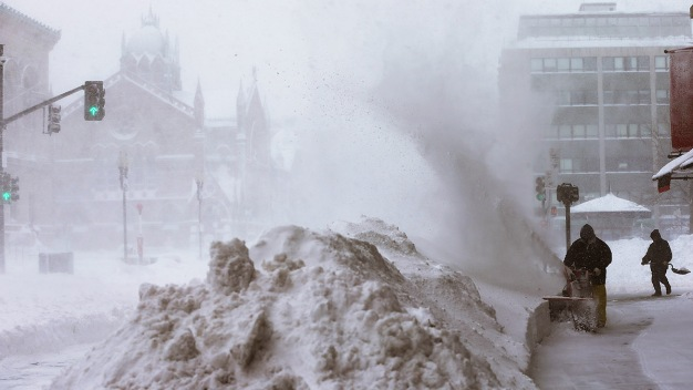 Be Prepared: What to Do Before, During and After a Snowstorm