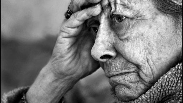 Alzheimer's Simulator Helps Caretakers Understand the Disease