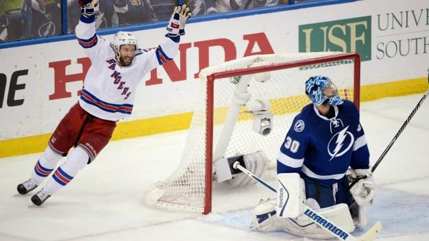 Rangers Beat Lightning 5-1 in Game 4