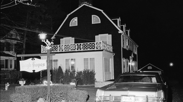 Infamous NY 'Amityville Horror' House Finds a Buyer