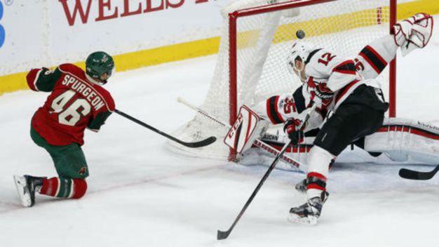 Bennett Gets Late Goal to Lift Devils Over Wild