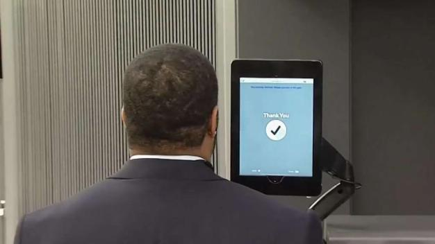 Airline Facial Recognition Use Sparks Privacy Concerns
