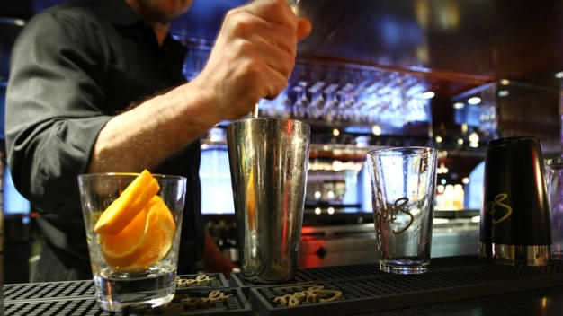 13 TGI Fridays in New Jersey Accused of Faking Premium Liquor