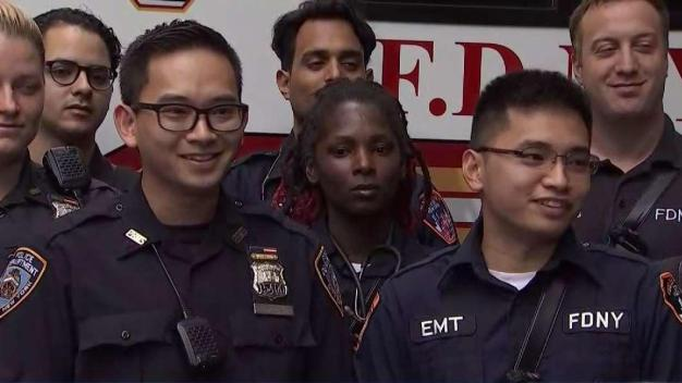 Cop and EMT Brothers Help Deliver Baby