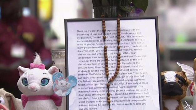 Dad of Killed 18-Year-Old Leaves Letter in Times Square