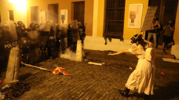 PR Protests Turn Violent as Calls for Gov Resignation Swell