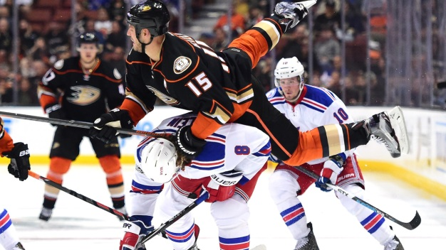 Ducks Soar in 6-3 Win Over Rangers