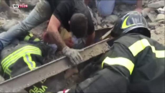 Italian Girl Rescued from Rubble