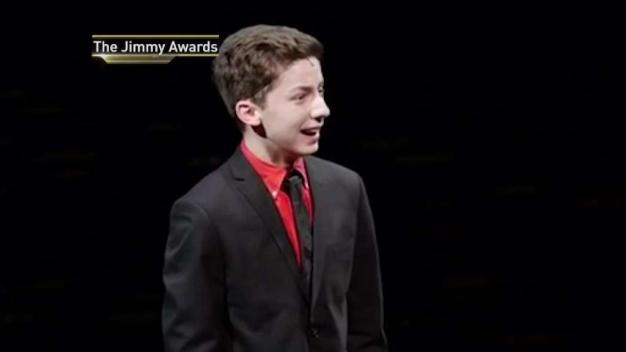 NY Teen Makes Broadway Debut in 'Dear Evan Hansen'}