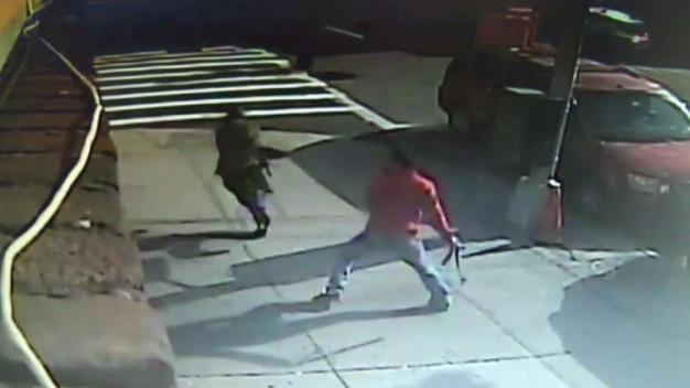 Victim Attacks Armed Men in Suits Moments After Robbery