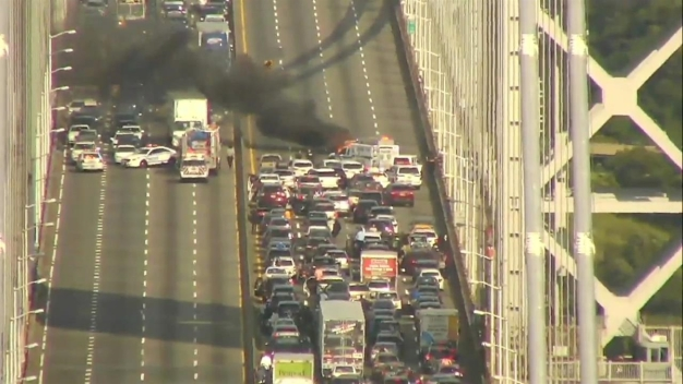 Car Bursts Into Flames on the George Washington Bridge