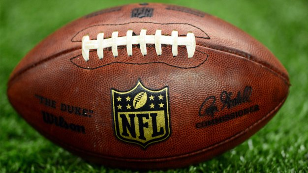 Top NYC Bars for Raiders, Chiefs Fans This TNF