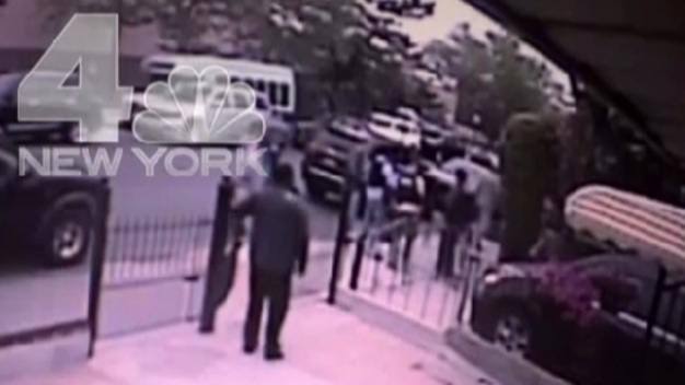Video Shows Feds, NYPD Raid Home of Mansion Murder Suspect's Girlfriend