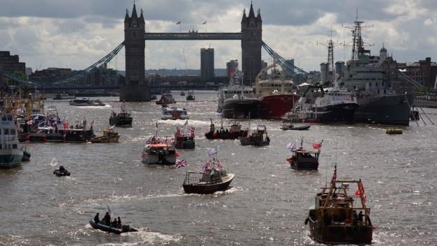 Brexit Battle: Flotillas Face Off in the Heart of London