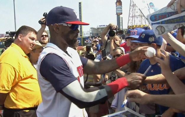 Brooklyn Cyclone Fans Warmly Welcome Reyes