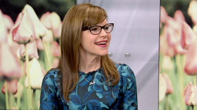 Catching Up with Lisa Loeb