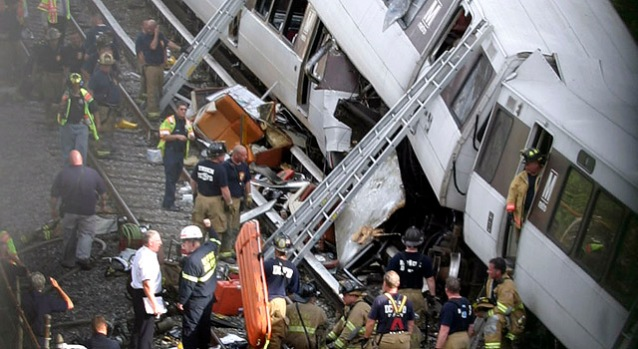 Dramatic Photos: Deadly D.C. Metro Train Crash