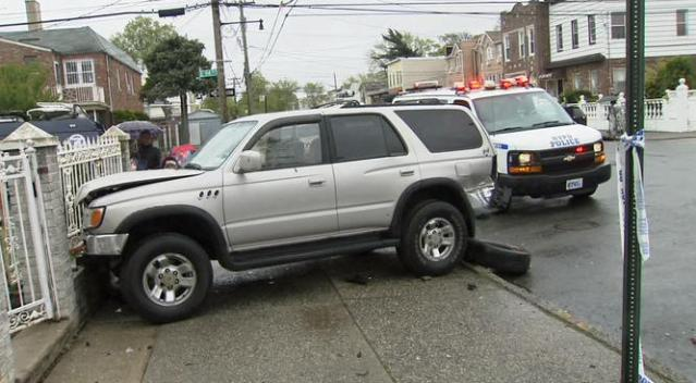 2 Hurt, 1 Critically, When Hit by Stolen Car in Brooklyn: NYPD