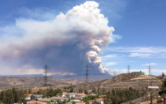 A large plume of smoke could be seen in Santa Clarita for miles as the Powerhouse Fire grew to more than 3,660 acres on Saturday, June 1, 2013.