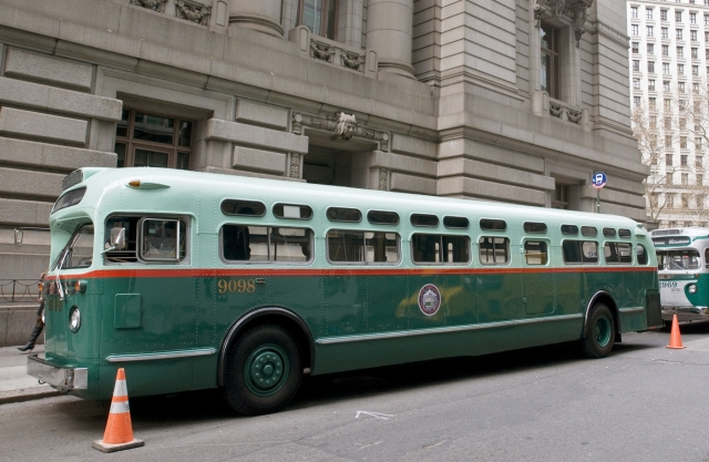 MTA Rolls Out Vintage Buses for the Holidays