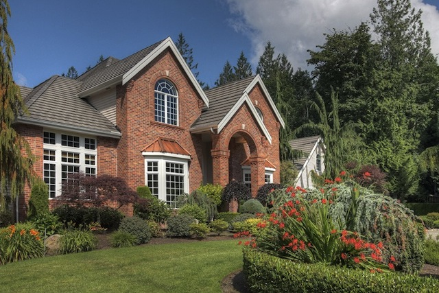 Retired MLB Pitcher Lists Custom Home