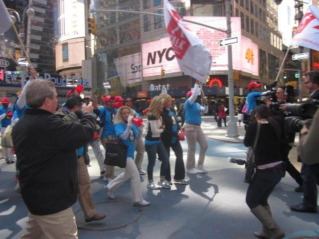 PHOTOS: Walk With Walgreens Kick-off at Times Square