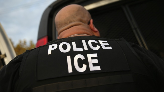 ICE Making Parents Separated From Kids Accept Deportation To Be Reunited