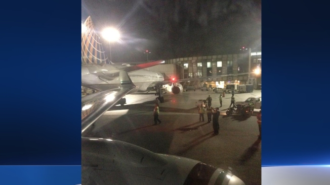 Airplanes Clip Wings at LAX