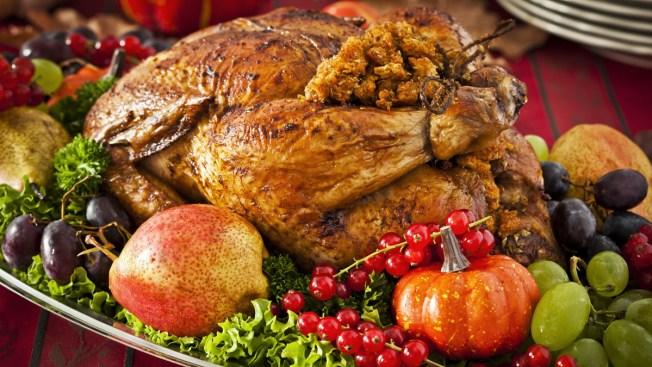 160-Member Family Eats Thanksgiving in Pa.