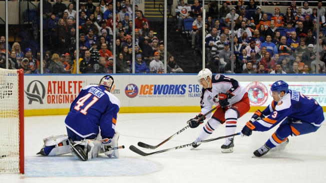 Islanders Spoil Blue Jackets' Rally for 6-3 Win