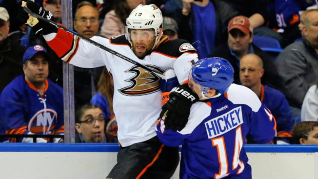 Ducks Edge Islanders, 3-2, Gain Playoff Berth