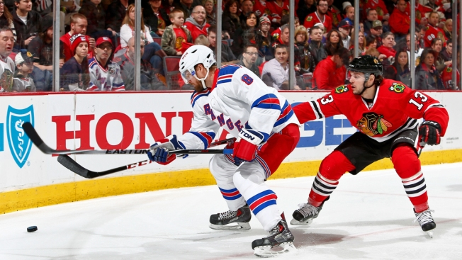 Rangers Top Blackhawks in Thriller, 1-0