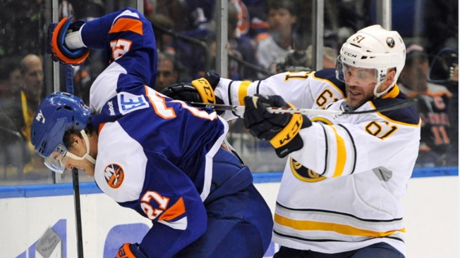 Halak, Islanders Shut Out Sabres